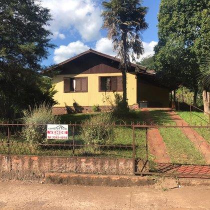 Casa de madeira para venda.